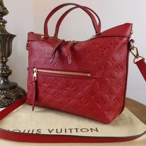 💎✨Authentic✨💎 Red All Leather Shoulder bag